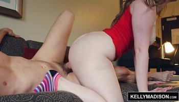 naomi banxxx is thick and juicy